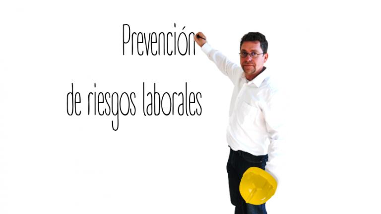 Vidal escribe en pizarra prevención de riesgos laborales