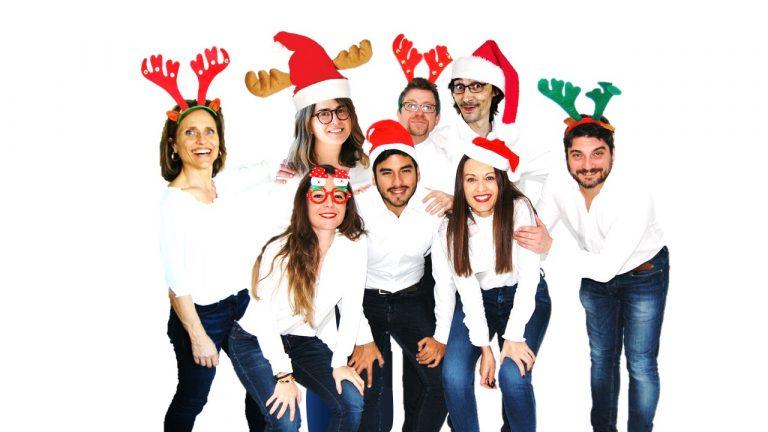 el equipo humanas desea feliz navidad